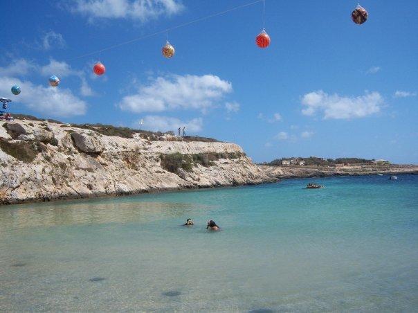Una delle calette di Lampedusa