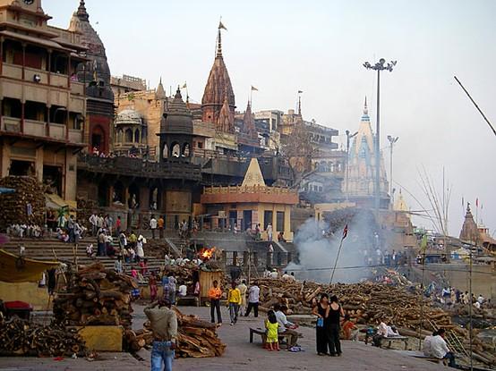 Varanasi e il rito dei defunti