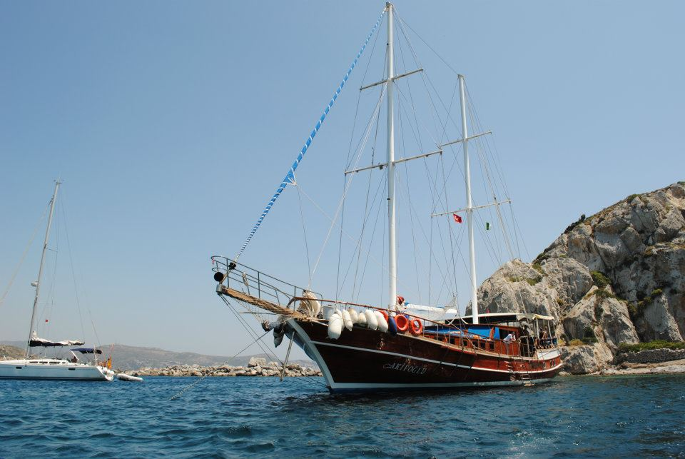 Un caicco ormeggiato sulle coste turche