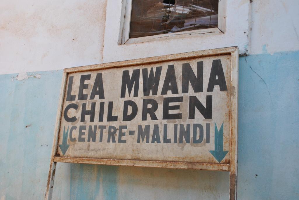L'insegna dell'orfanotrofio a Malindi