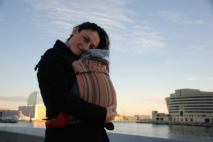 Ely e Manina nella fascia porta bebè