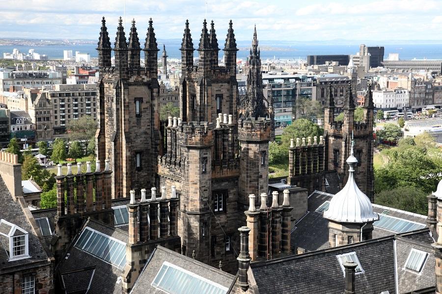 Vista di Edimburgo dall'alto