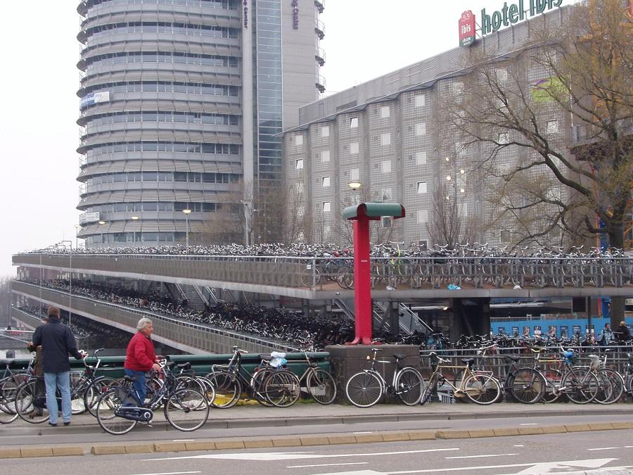 """Ad Amsterdam vi capiterà di vedere """"qualche"""" bici"""