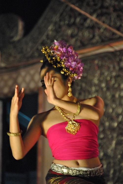 Ballerina sul palco di Chiang Rai