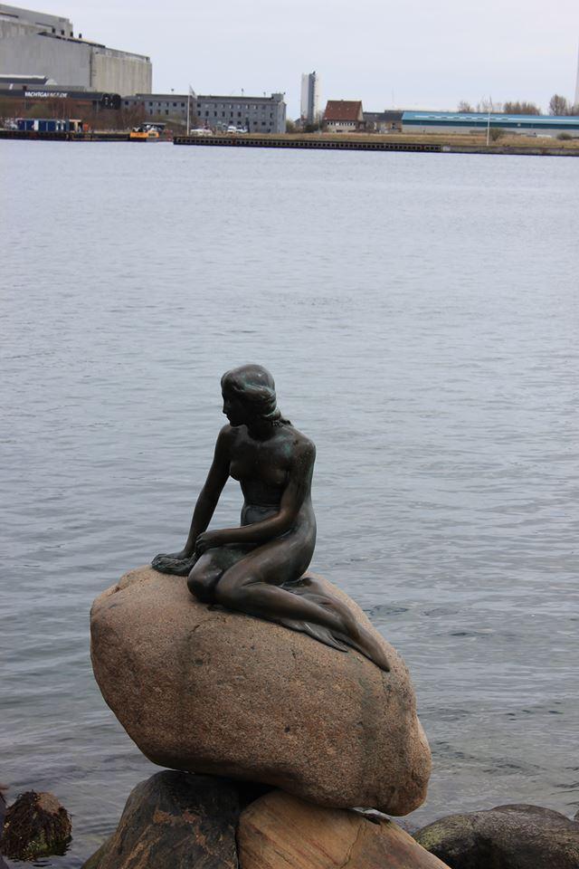 La famosa sirenetta di Copenaghen