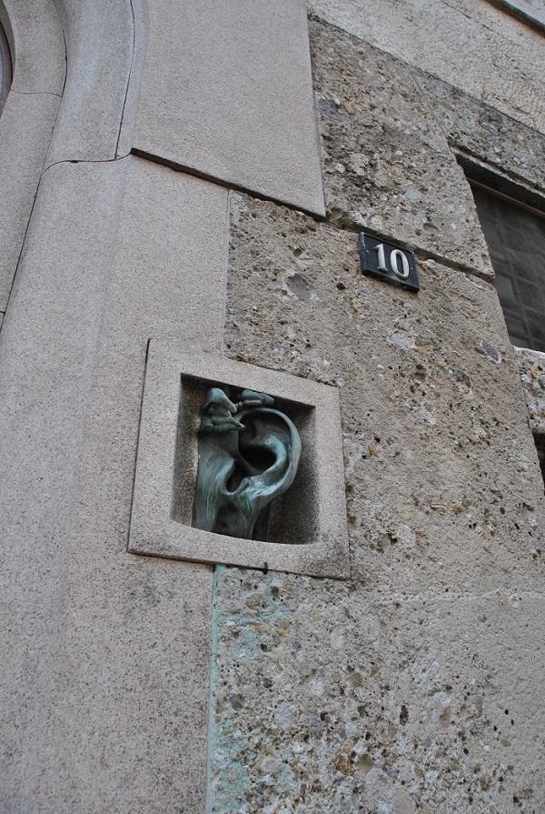 Il citofono a forma di Orecchio
