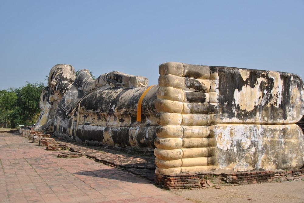 Il Buddha sdraiato di Ayutthaya