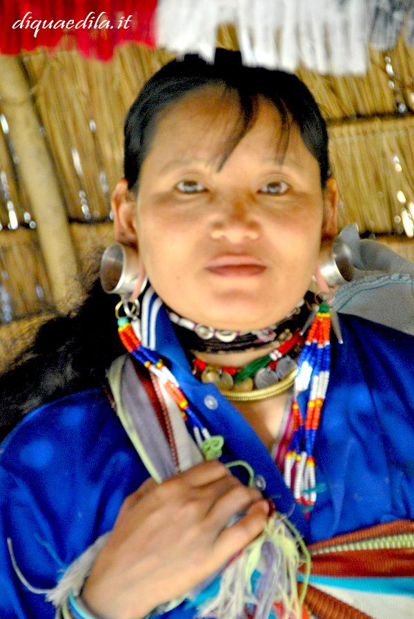 Le donne della Tribù Karen in Thailandia