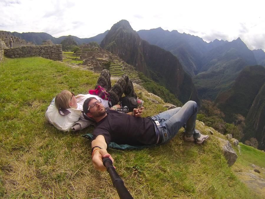 Riposo del guerriero sui terrazzamenti del Machu Picchu