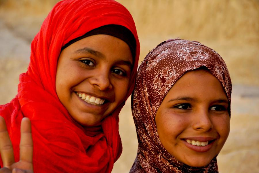 Venditrici di cartoline a Petra