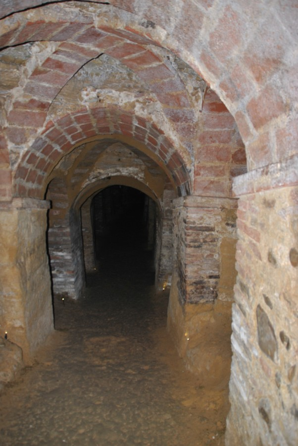 Grotte tufacee sotterranee