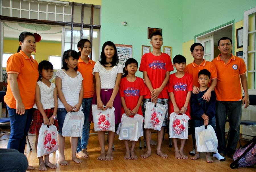 La consegna dei regali con Asiatica