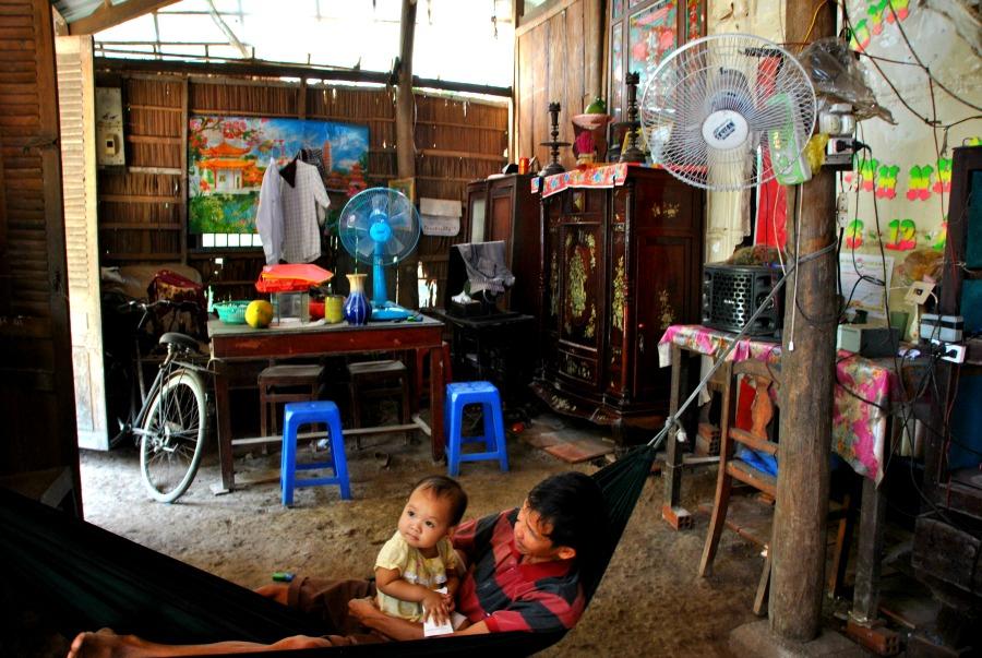 Un'abitazione vietnamita e l'altare degli antenati