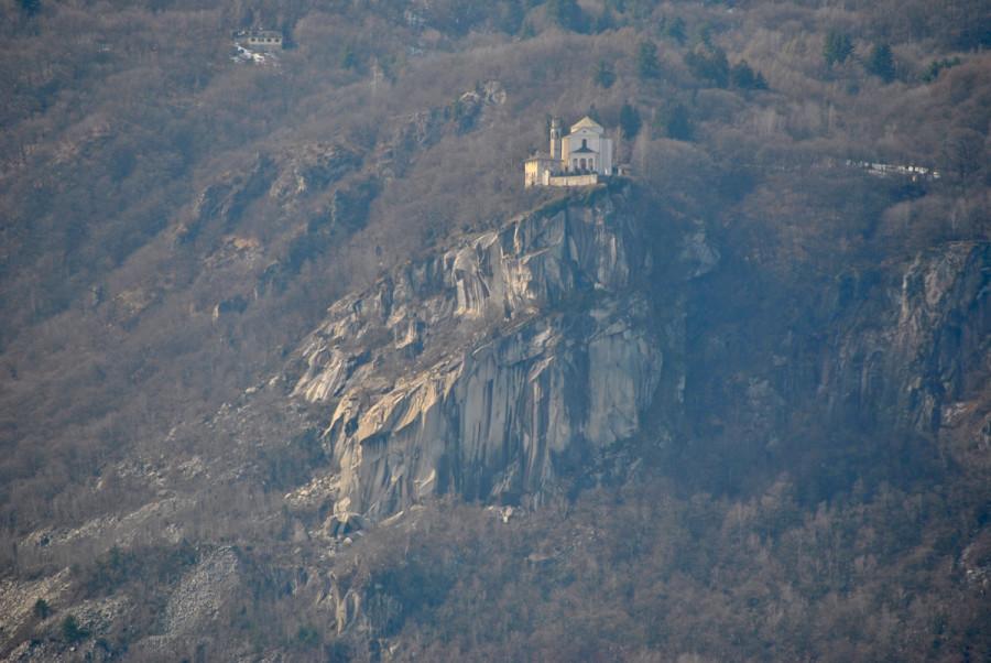 Santuario Madonna del Sasso visto dal Sacro Monte