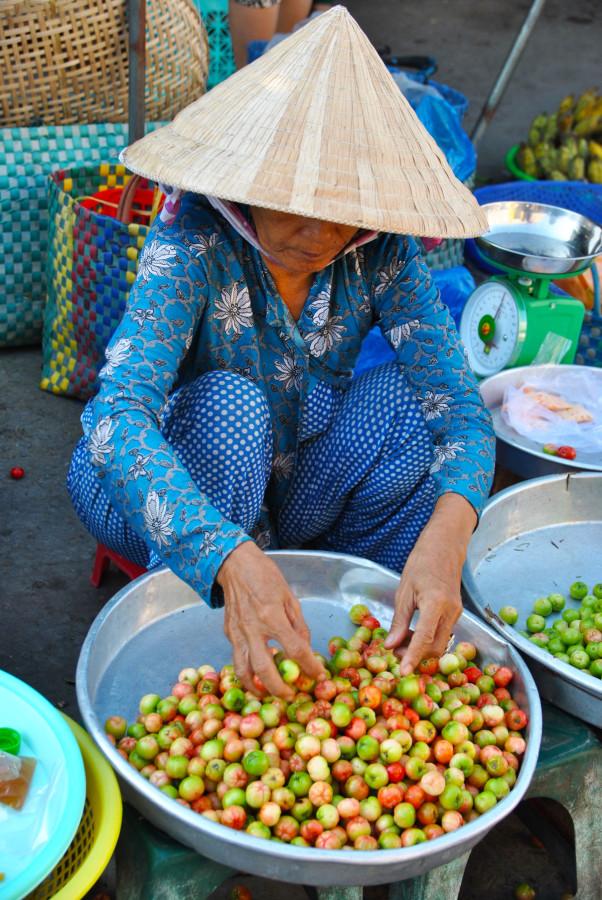 Donna al mercato di Hoi An