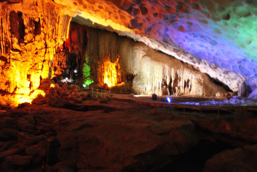 Giochi di luce all'interno delle grotte
