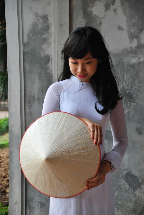Giovane-laureata-ad-Hanoi
