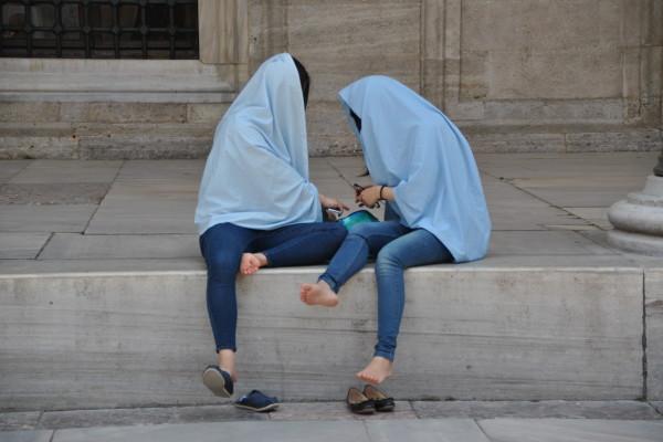 Amiche per la religione, Istanbul