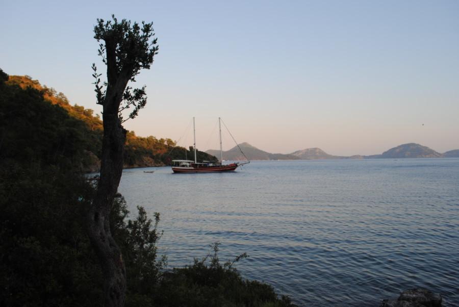 vista del caicco dalla costa turchese