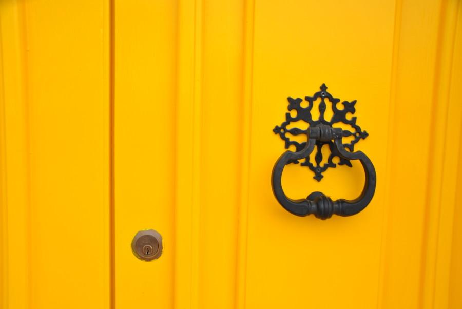 porta gialla