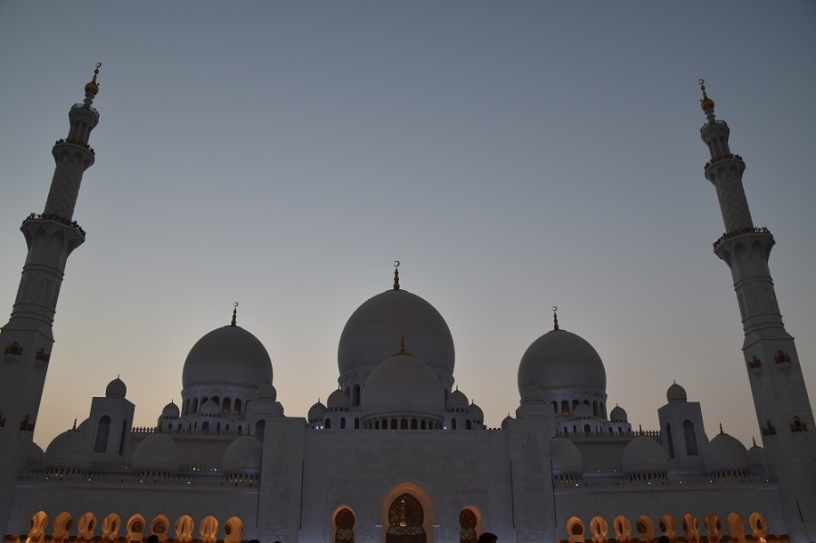 moschea abu dhabi luci blu1